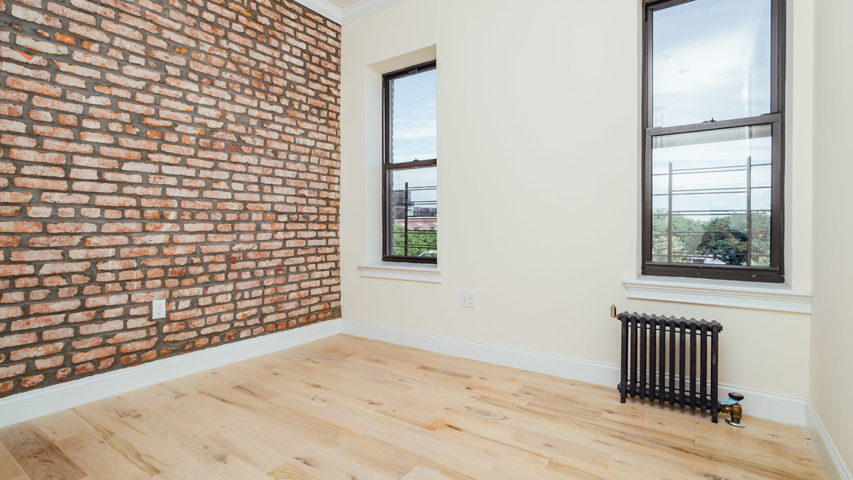 A $2,475.00, 2 bed / 1 bathroom apartment in Bushwick