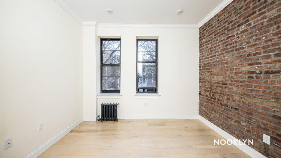 A $2,550.00, 3 bed / 2 bathroom apartment in Bushwick