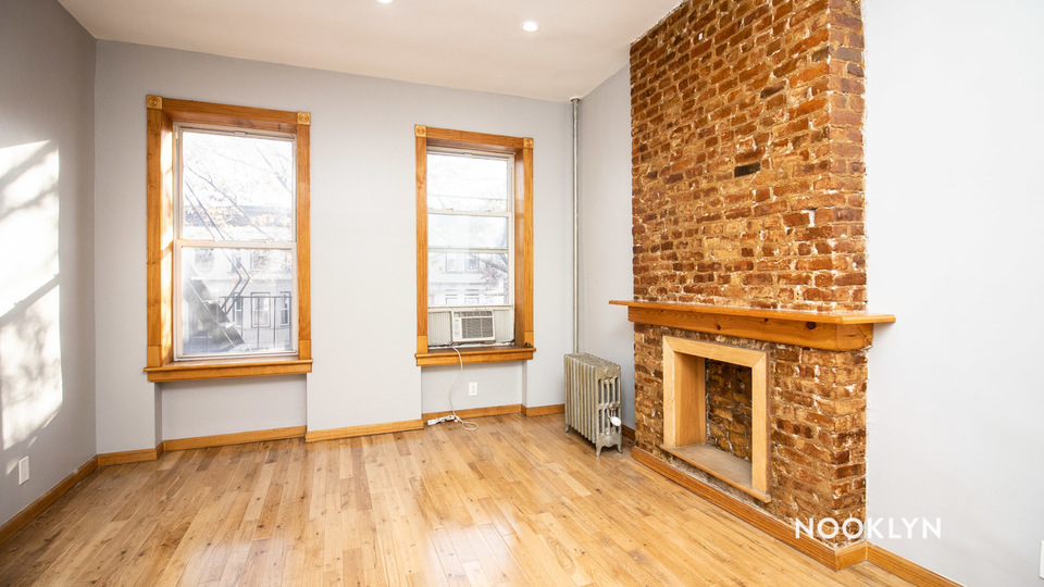 A $1,462.00, 0 bed / 1 bathroom apartment in Crown Heights