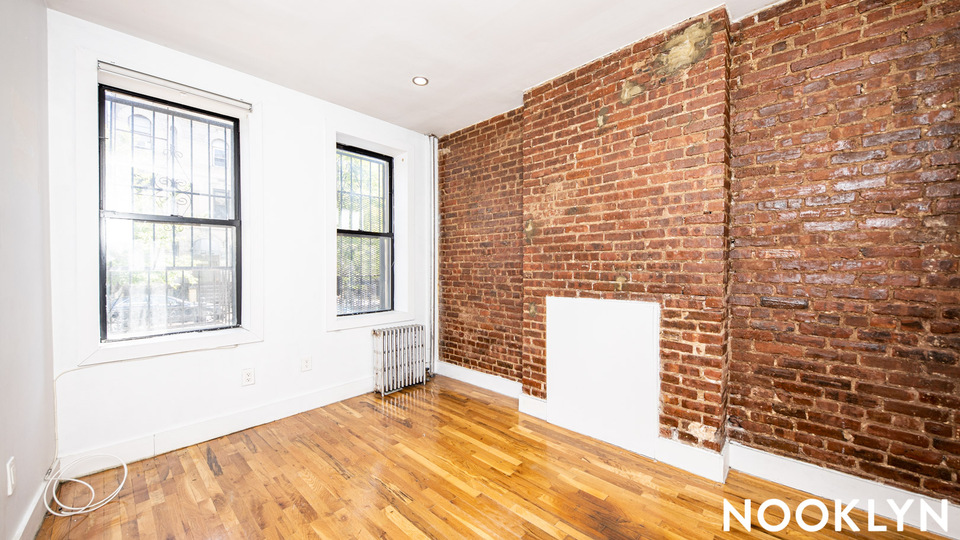 A $1,400.00, 0 bed / 1 bathroom apartment in Bed-Stuy