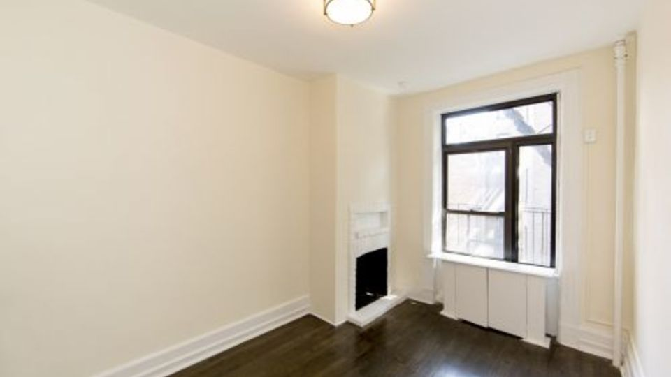 A $2,375.00, 0 bed / 1 bathroom apartment in West Village