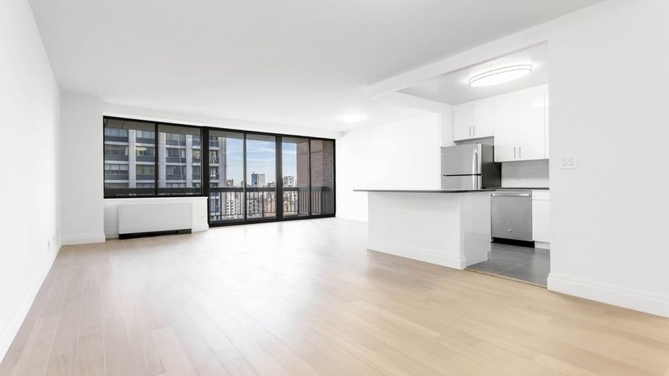 A $5,300.00, 1 bed / 1.5 bathroom apartment in Midtown