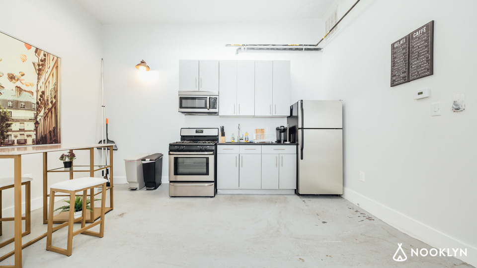 A $3,500.00, 4 bed / 1 bathroom apartment in Bed-Stuy