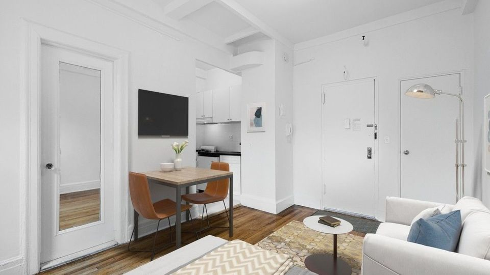 A $2,350.00, 0 bed / 1 bathroom apartment in Upper West Side
