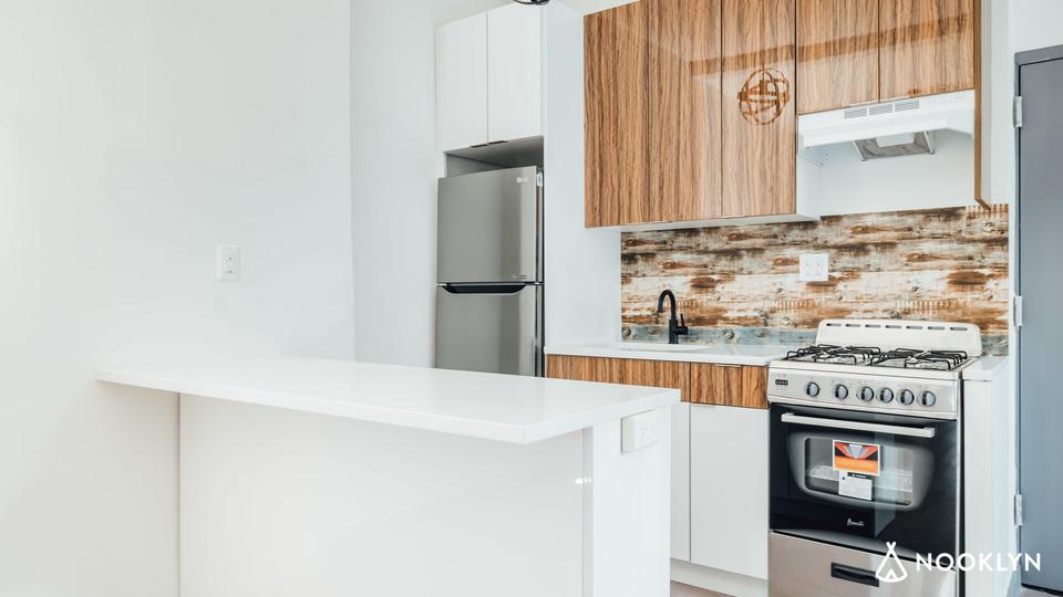 A $2,520.00, 3 bed / 1 bathroom apartment in Flatbush