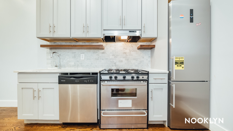 A $2,650.00, 3 bed / 1 bathroom apartment in Ridgewood