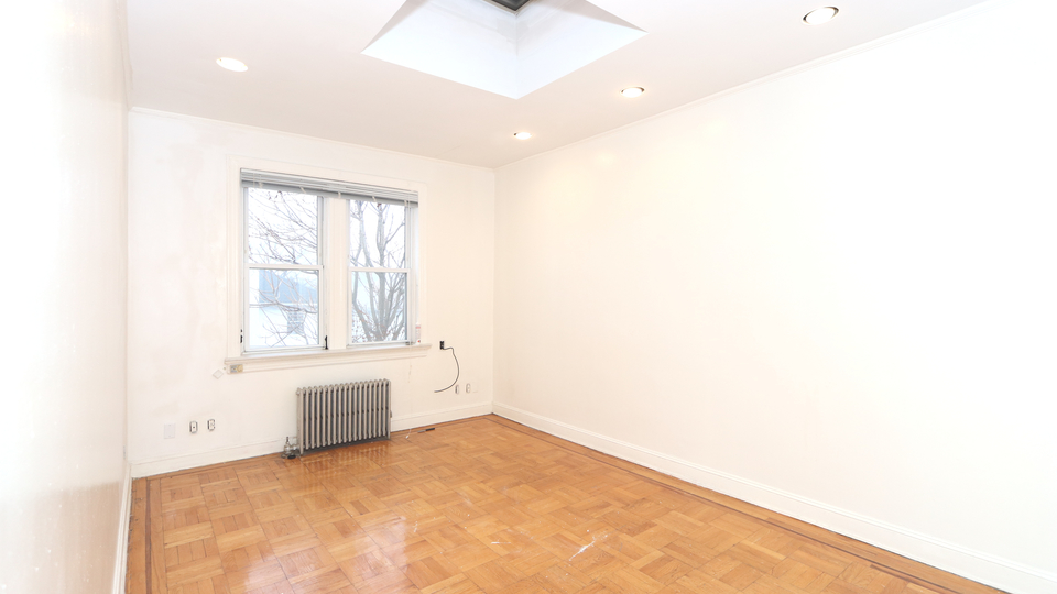 A $2,300.00, 2 bed / 1 bathroom apartment in Bay Ridge