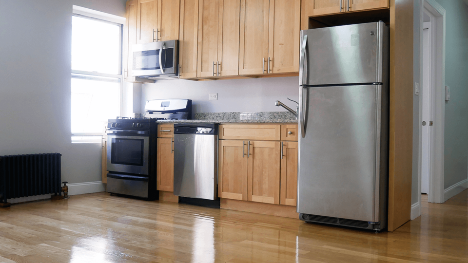 A $2,395.00, 2 bed / 1 bathroom apartment in Inwood