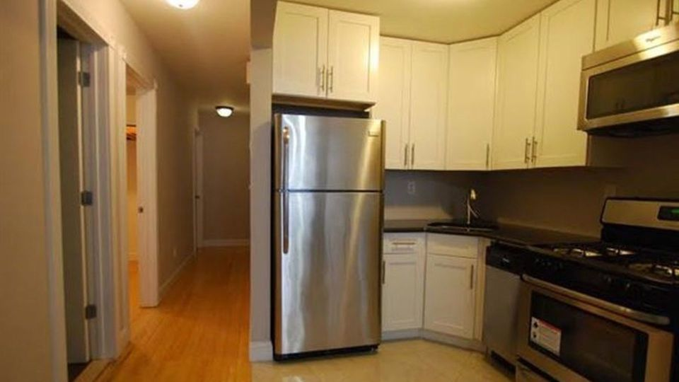 A $2,642.00, 3 bed / 2 bathroom apartment in Crown Heights