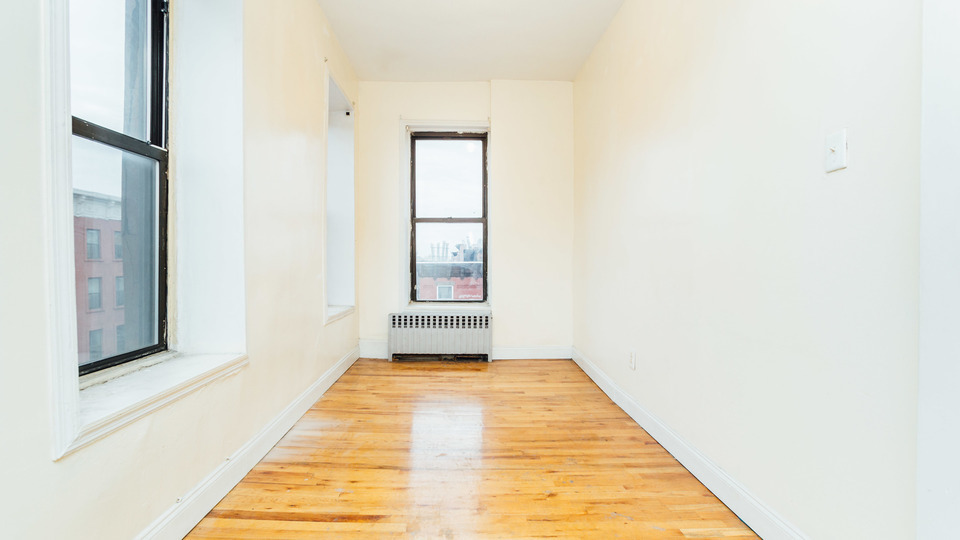 A $1,950.00, 3 bed / 1 bathroom apartment in Bed-Stuy