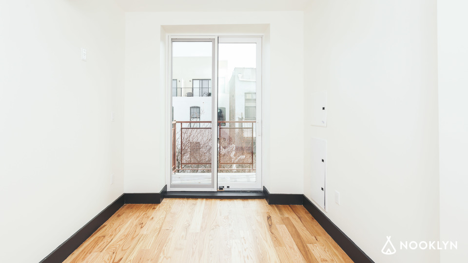 A $2,100.00, 2 bed / 1 bathroom apartment in Ridgewood