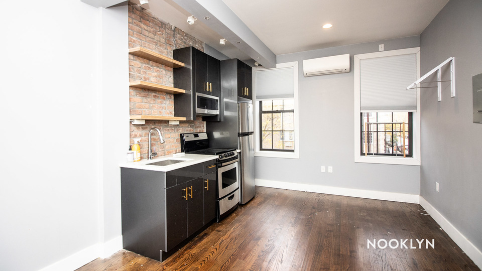A $1,500.00, 0 bed / 1 bathroom apartment in Bed-Stuy