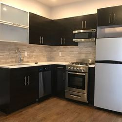 A $3,200.00, 3 bed / 1.5 bathroom apartment in Williamsburg