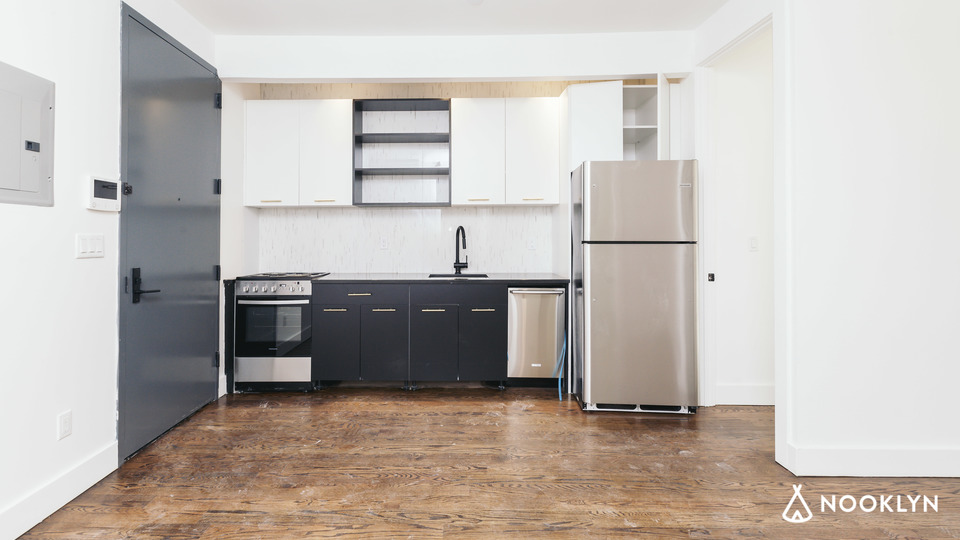 A $3,200.00, 2 bed / 2 bathroom apartment in Williamsburg