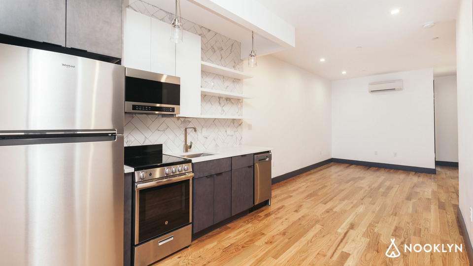 A $4,034.00, 4 bed / 3 bathroom apartment in Bushwick