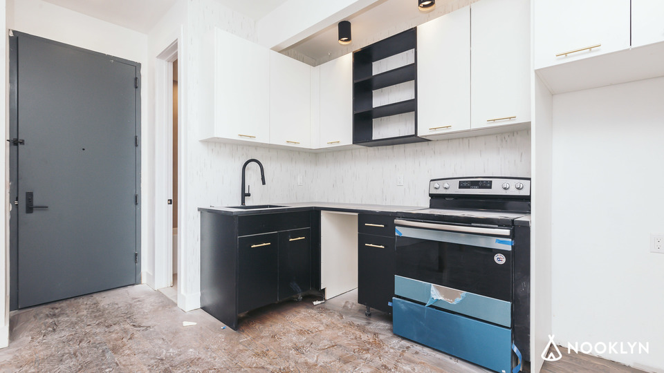 A $3,175.00, 3 bed / 2 bathroom apartment in Williamsburg