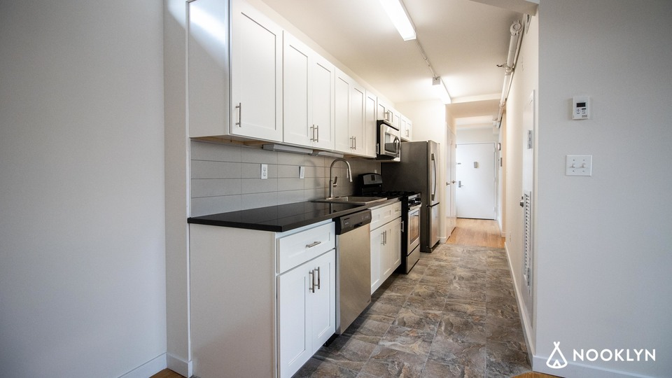 A $2,505.00, 2 bed / 1 bathroom apartment in PLG: Prospect Lefferts Gardens