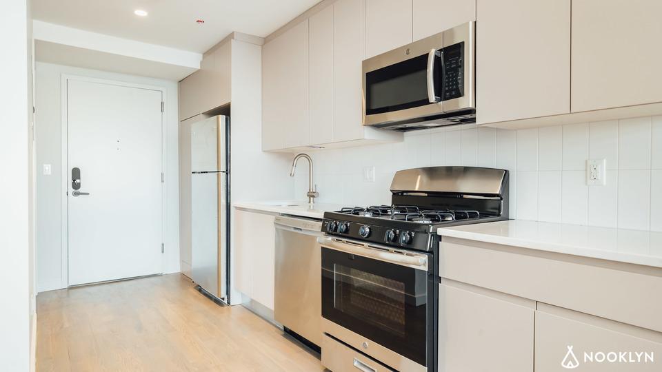 A $1,749.00, 0 bed / 1 bathroom apartment in Bushwick