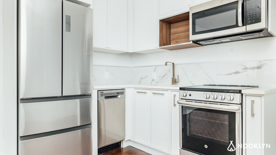 A $3,350.00, 3 bed / 2 bathroom apartment in Gowanus