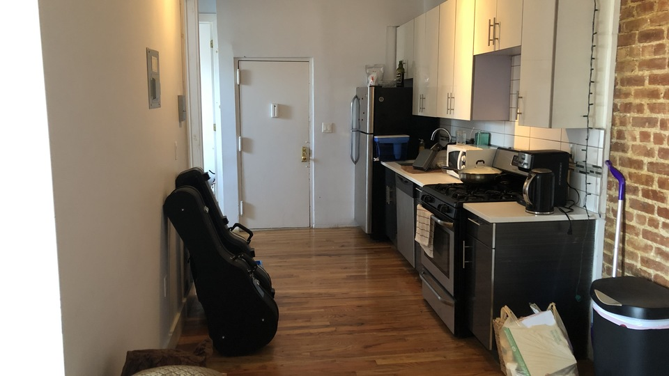 A $2,500.00, 4 bed / 1 bathroom apartment in Bed-Stuy