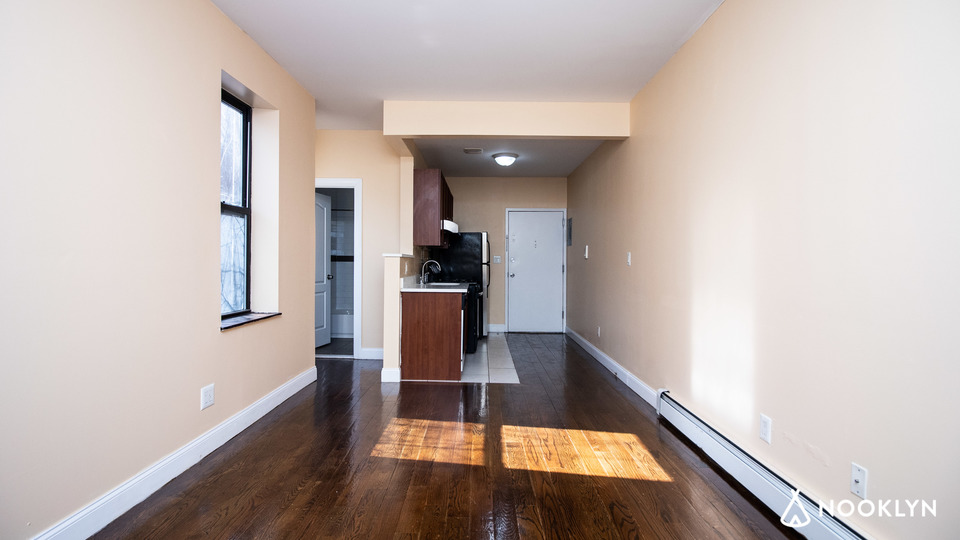 A $2,000.00, 2 bed / 1 bathroom apartment in East Harlem