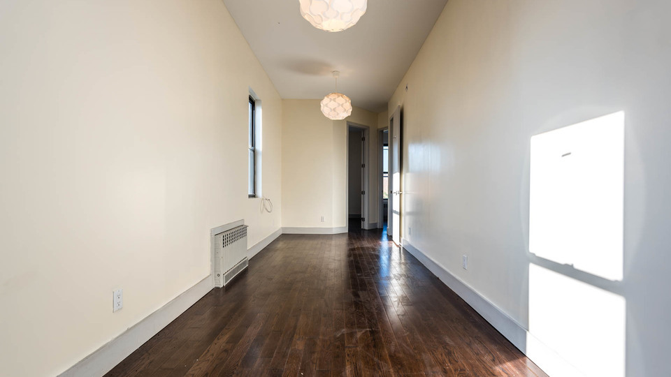 A $2,000.00, 3 bed / 1.5 bathroom apartment in Bushwick