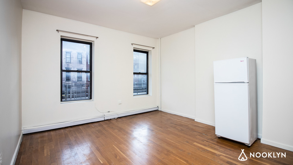 A $1,790.00, 0 bed / 1 bathroom apartment in Williamsburg