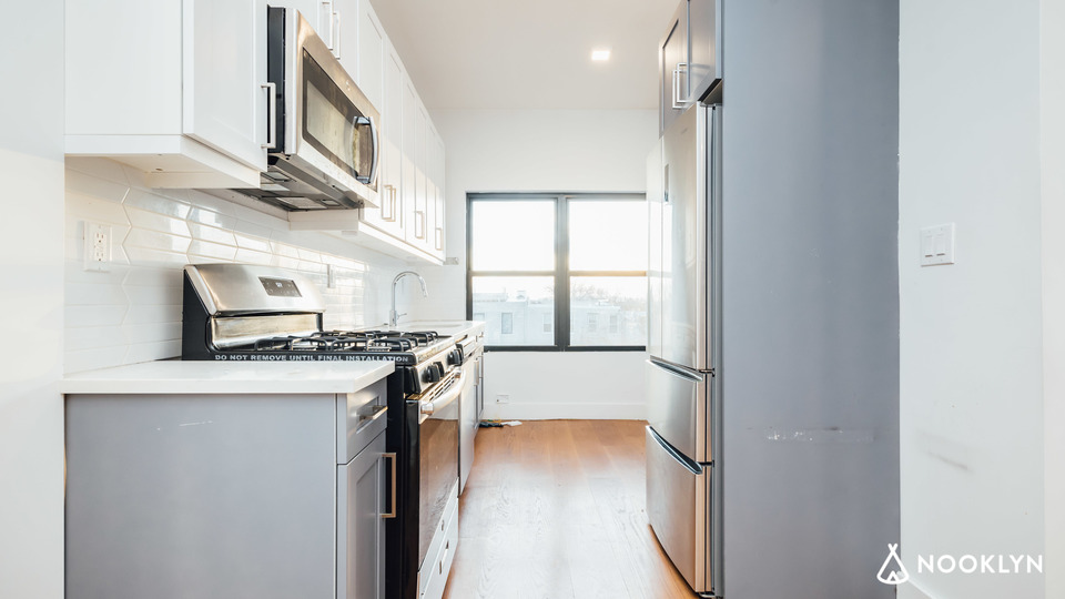 A $2,550.00, 2 bed / 2 bathroom apartment in Red Hook