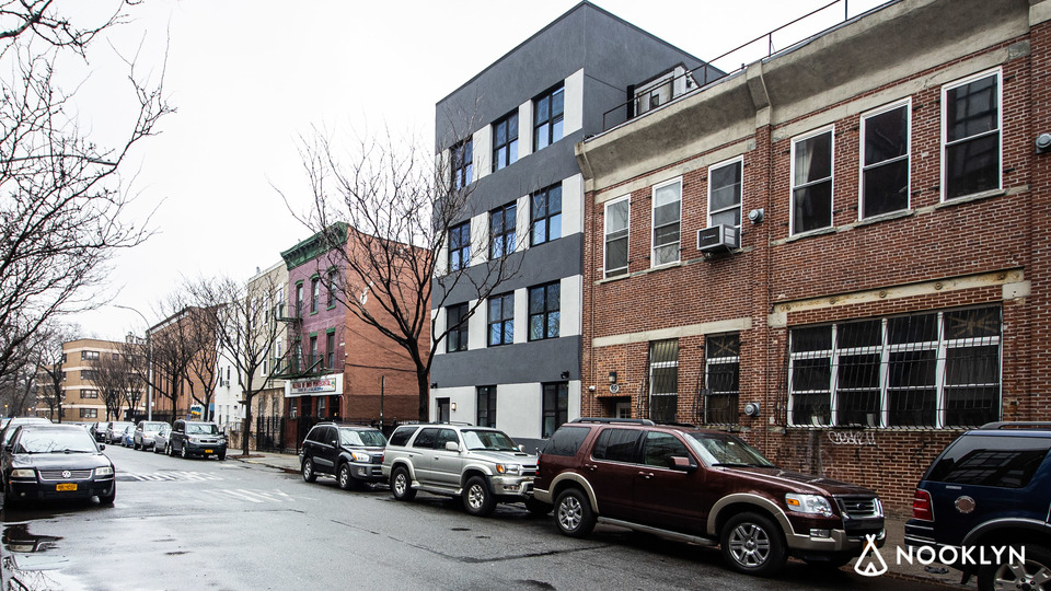A $3,700.00, 3 bed / 1 bathroom apartment in Williamsburg