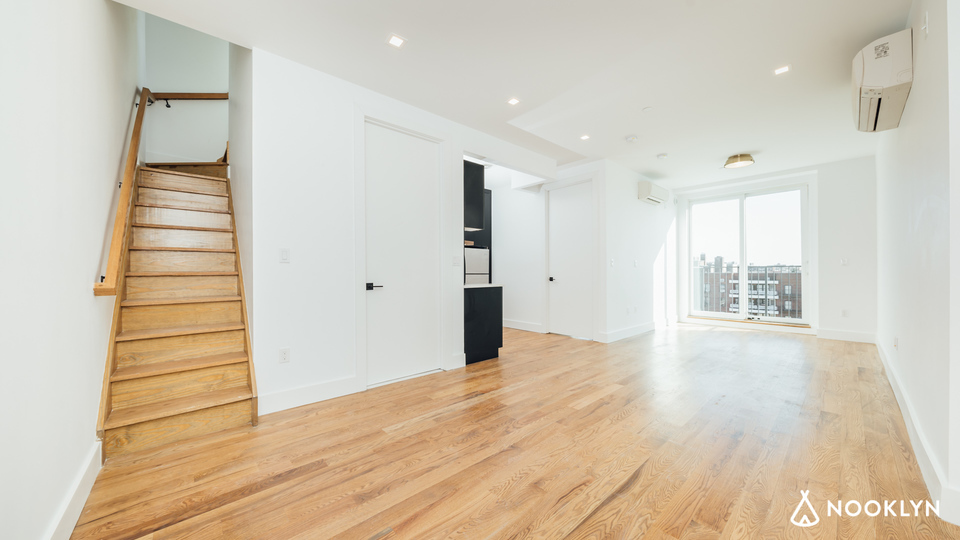 A $3,500.00, 2 bed / 1 bathroom apartment in Bed-Stuy