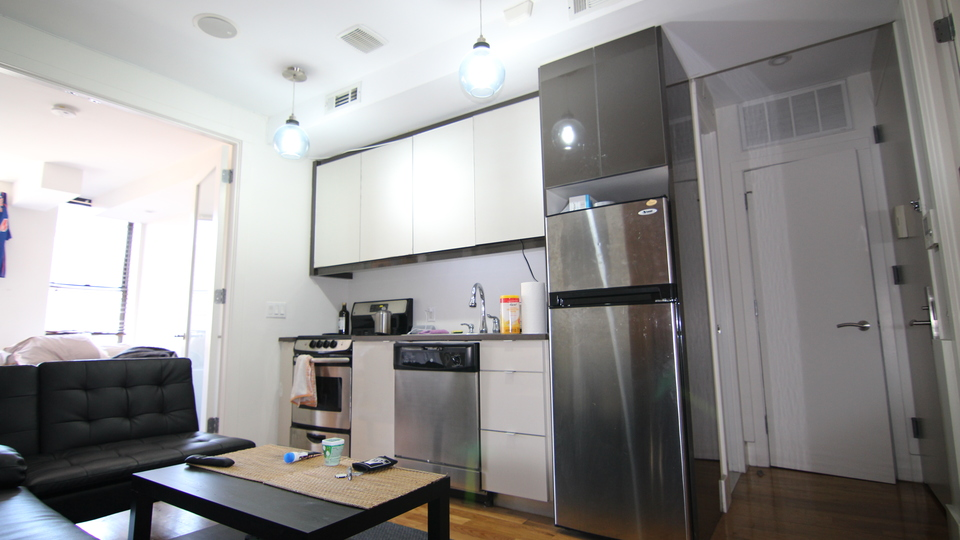 A $3,313.00, 2 bed / 1 bathroom apartment in Williamsburg