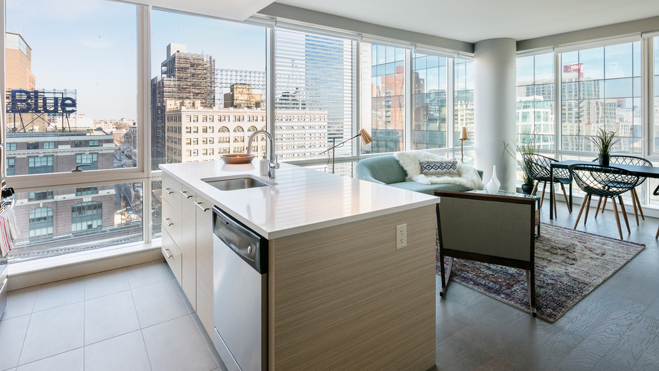 A $3,917.00, 2 bed / 2 bathroom apartment in Long Island City