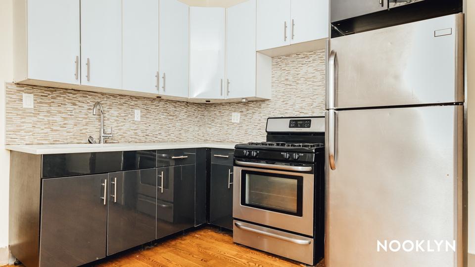 A $2,245.00, 3 bed / 1 bathroom apartment in Bushwick
