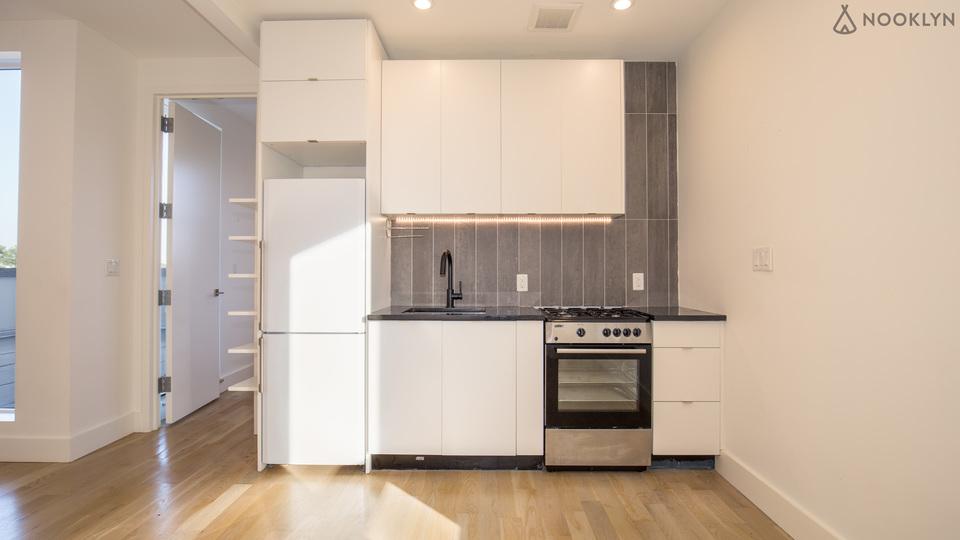 A $3,025.00, 4 bed / 2 bathroom apartment in Bushwick