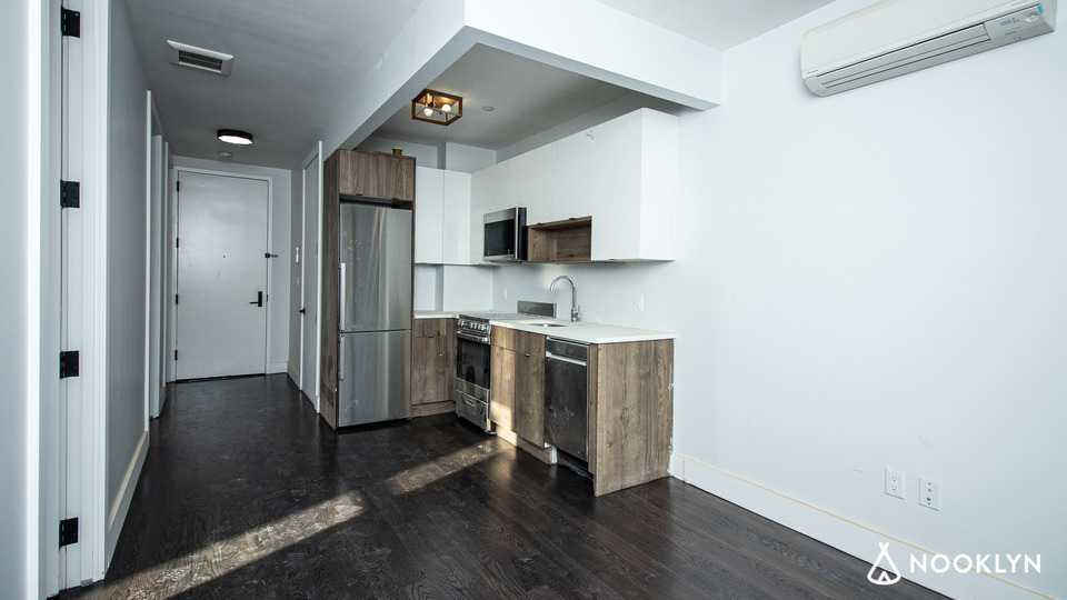 A $2,779.00, 3 bed / 1 bathroom apartment in Bed-Stuy
