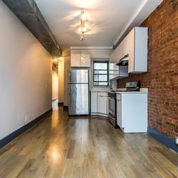 A $2,600.00, 3.5 bed / 1 bathroom apartment in Ridgewood