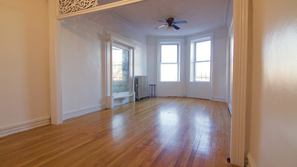 A $3,400.00, 3.5 bed / 1 bathroom apartment in Crown Heights