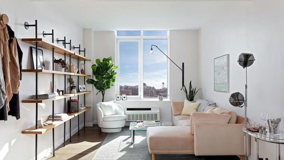 A $2,864.00, 0 bed / 1 bathroom apartment in Greenpoint