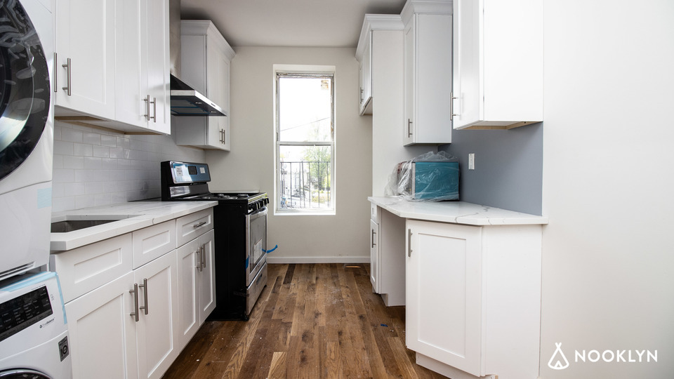 A $3,258.00, 3 bed / 2 bathroom apartment in PLG: Prospect Lefferts Gardens