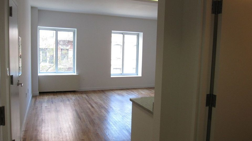 A $2,225.00, 0 bed / 1 bathroom apartment in Harlem