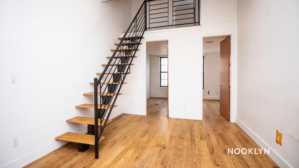 A $2,799.00, 4 bed / 1.5 bathroom apartment in Bushwick