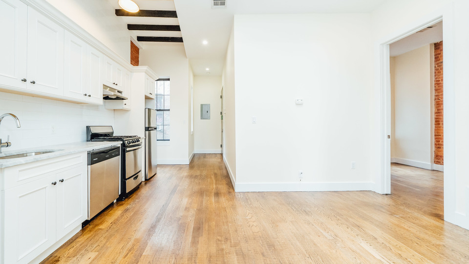 A $3,399.00, 4 bed / 1.5 bathroom apartment in Bushwick