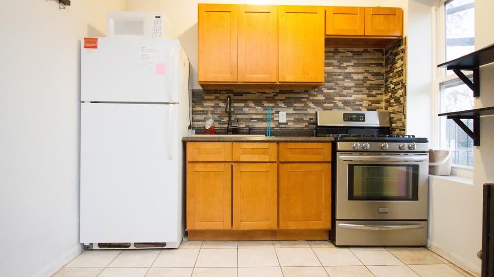 A $2,100.00, 3 bed / 1 bathroom apartment in Bed-Stuy