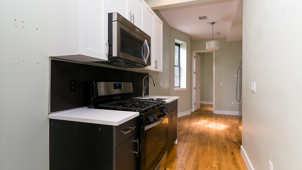 A $2,600.00, 3 bed / 2 bathroom apartment in Bed-Stuy
