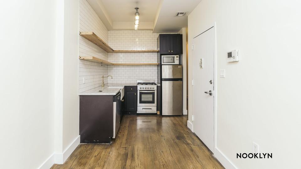 A $2,349.00, 3 bed / 1 bathroom apartment in Bushwick