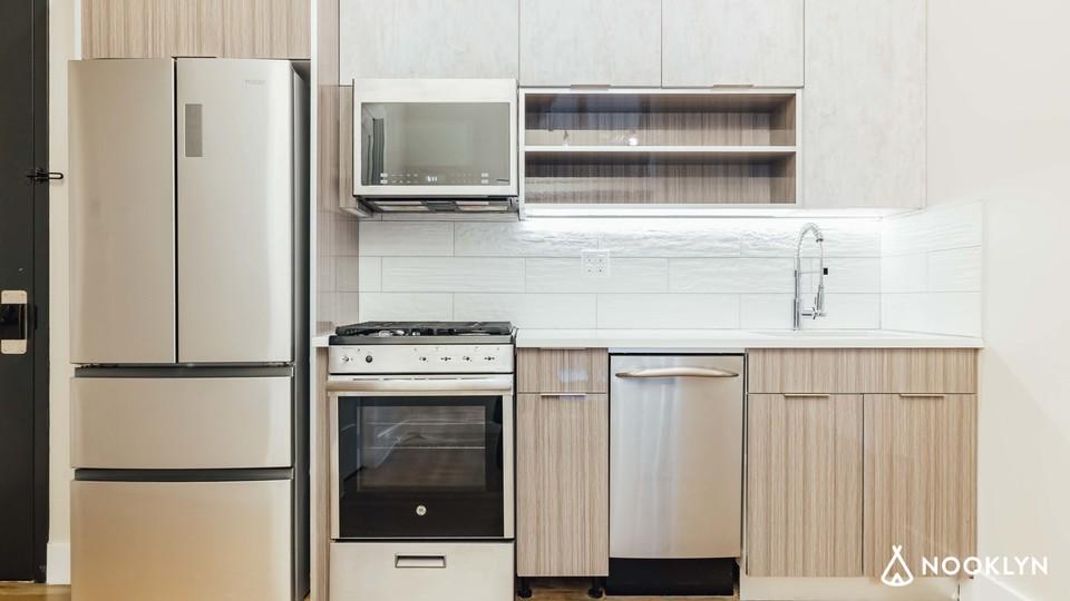 A $2,792.00, 3 bed / 1.5 bathroom apartment in Bushwick
