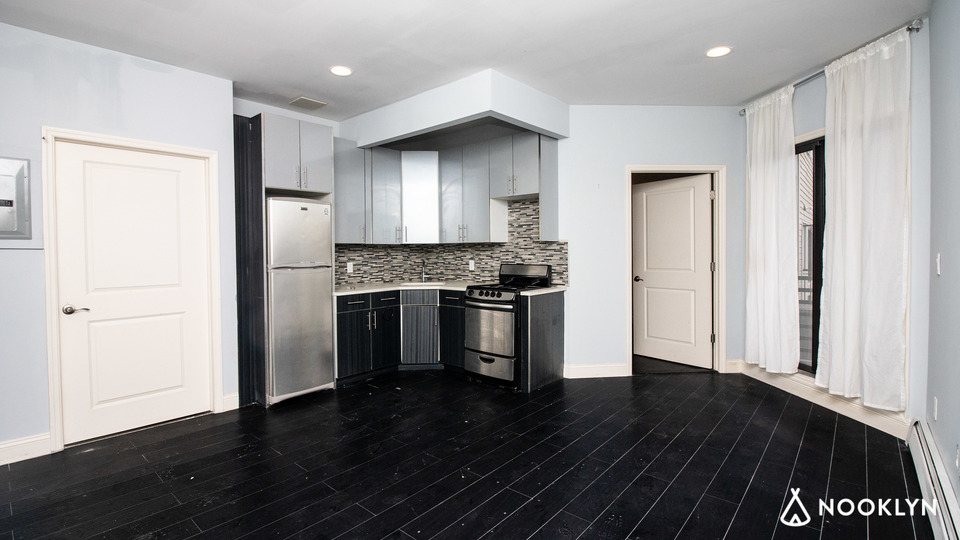 A $2,348.00, 2 bed / 1 bathroom apartment in Bushwick