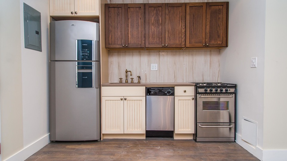A $2,650.00, 3 bed / 2 bathroom apartment in Ridgewood