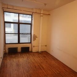 A $1,700.00, 0 bed / 1 bathroom apartment in Bushwick