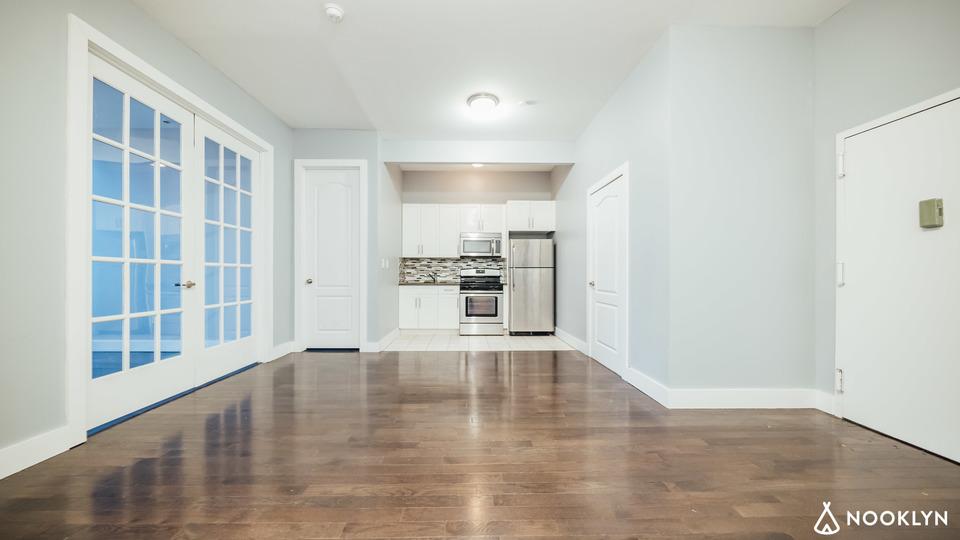 A $2,275.00, 3 bed / 1 bathroom apartment in Ridgewood